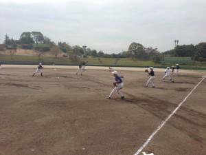 野球教室のキャッチボール